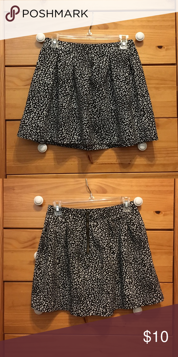 Skater skirt Cheetah skater skirt, Aeropostale, small Aeropostale Skirts Circle & Skater