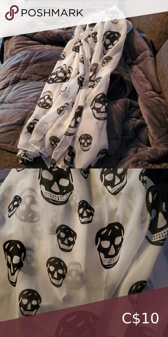 Cute skull scarf
