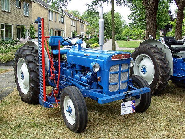 Super Dexta Tractor : Fordson super dexta ford traktor pinterest
