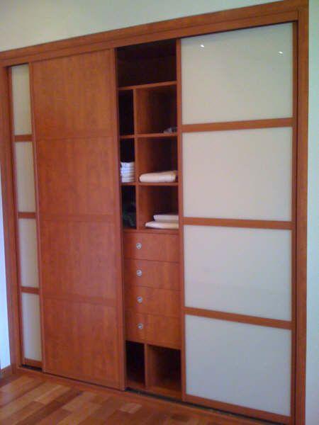 placard les portes de placard coulissantes sur mesure pour gagner de la place placards et. Black Bedroom Furniture Sets. Home Design Ideas