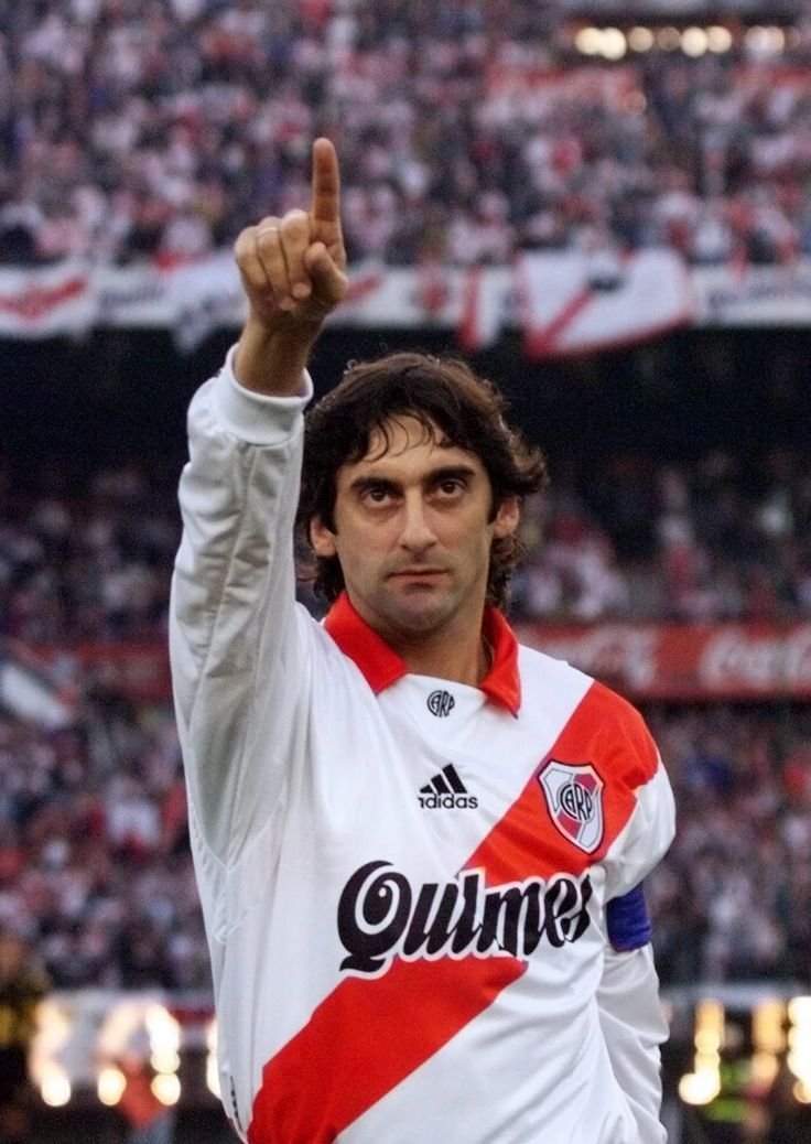 Enzo Francescoli in the Club Atlético River Plate - Argentina
