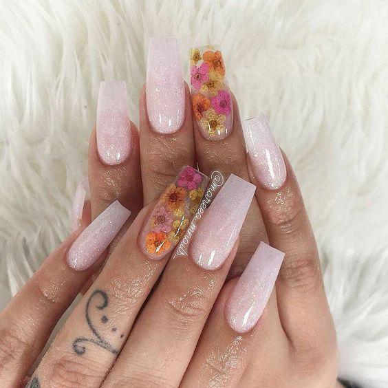 40 Super Fabulous Dried Flower Nail Art Designs Flower Nails Dry Flower Nails Coffin Nails Acrylic Nails Flower Nails Nail Designs Flower Nail Art