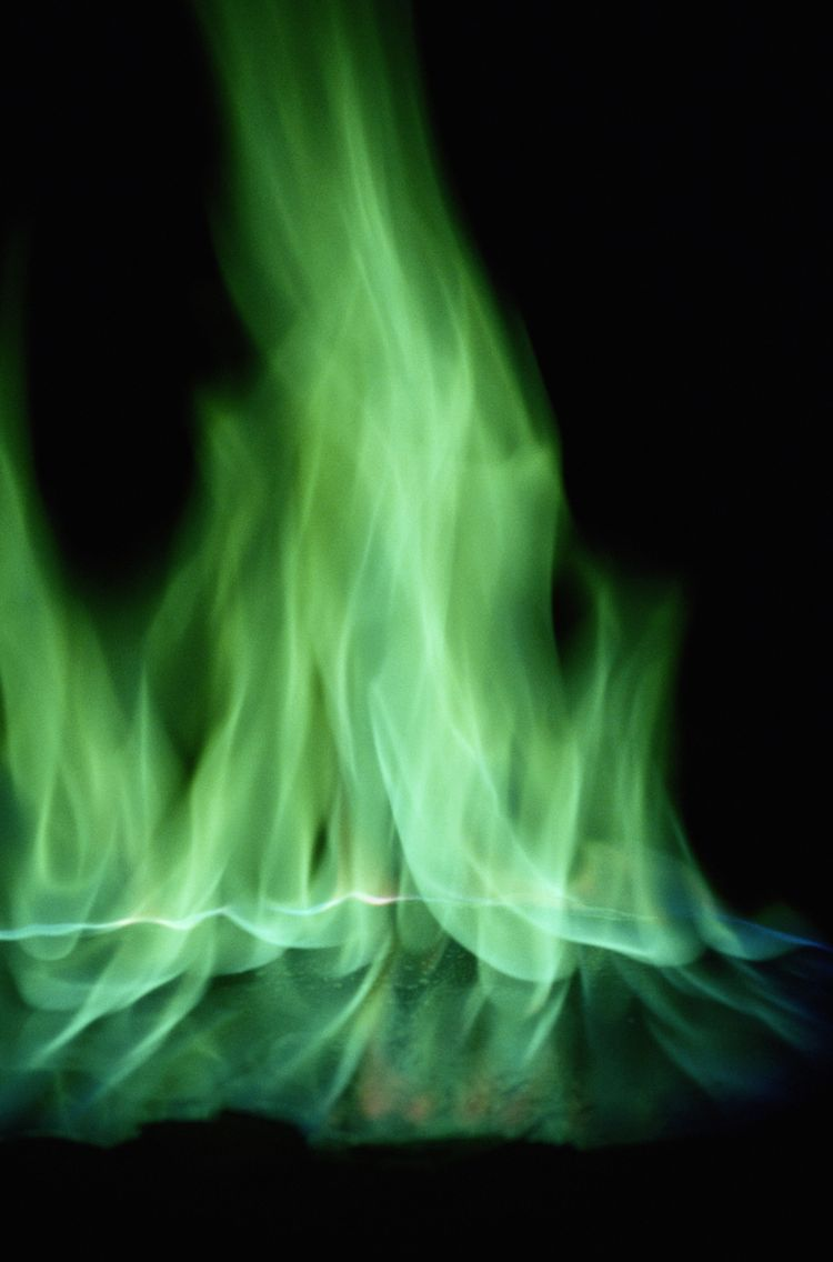 10 Chemicals You Can Use To Turn Fire Green Green Fire Fire
