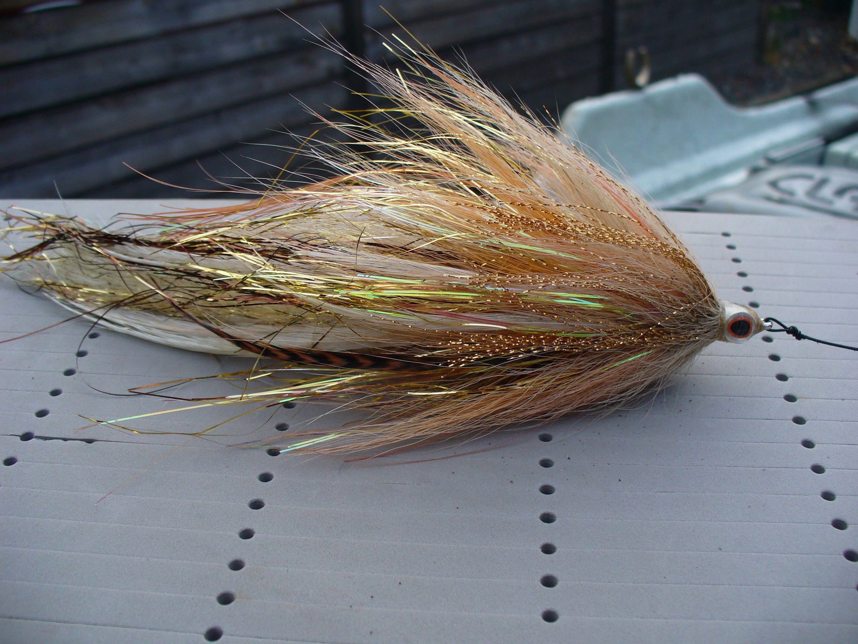 Brad bohen musky flies google search http giftmetoday for Musky fly fishing