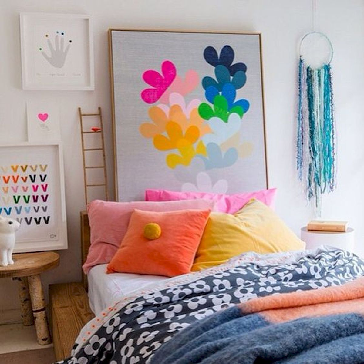 70+ Amazing Colorful Bedroom Decor Ideas And Remodel for Summer Project images