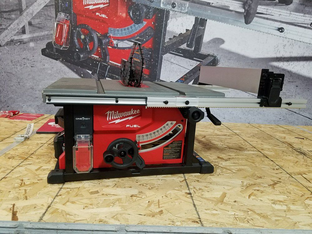 Review Milwaukee S M18 8 1 4 Cordless Table Saw With One Key Table Saw Milwaukee Milwaukee Fuel