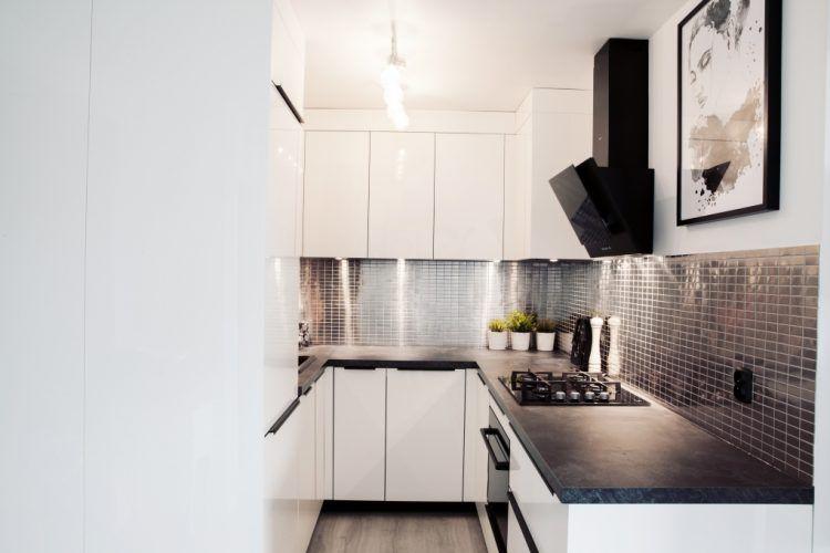 Mala Kuchnia W Bloku Aranzacje Kuchni Z Salonem I Jadalnia Kitchen Cabinets Home Decor Kitchen