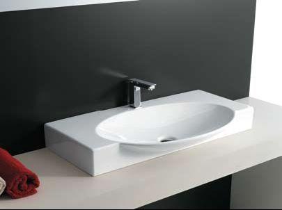 Opbouw bathroom badkamer wastafel en badkamer