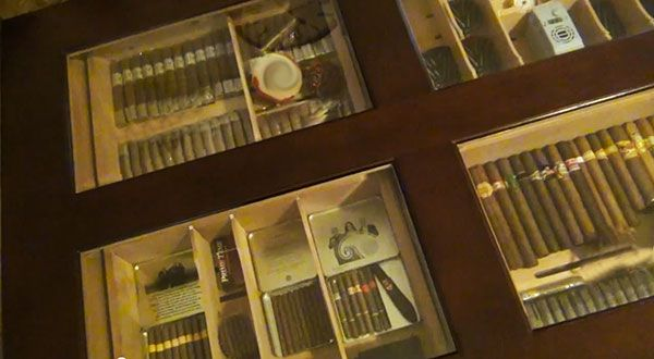 cigar coffee table humidor Modern vintage Pinterest Cigar