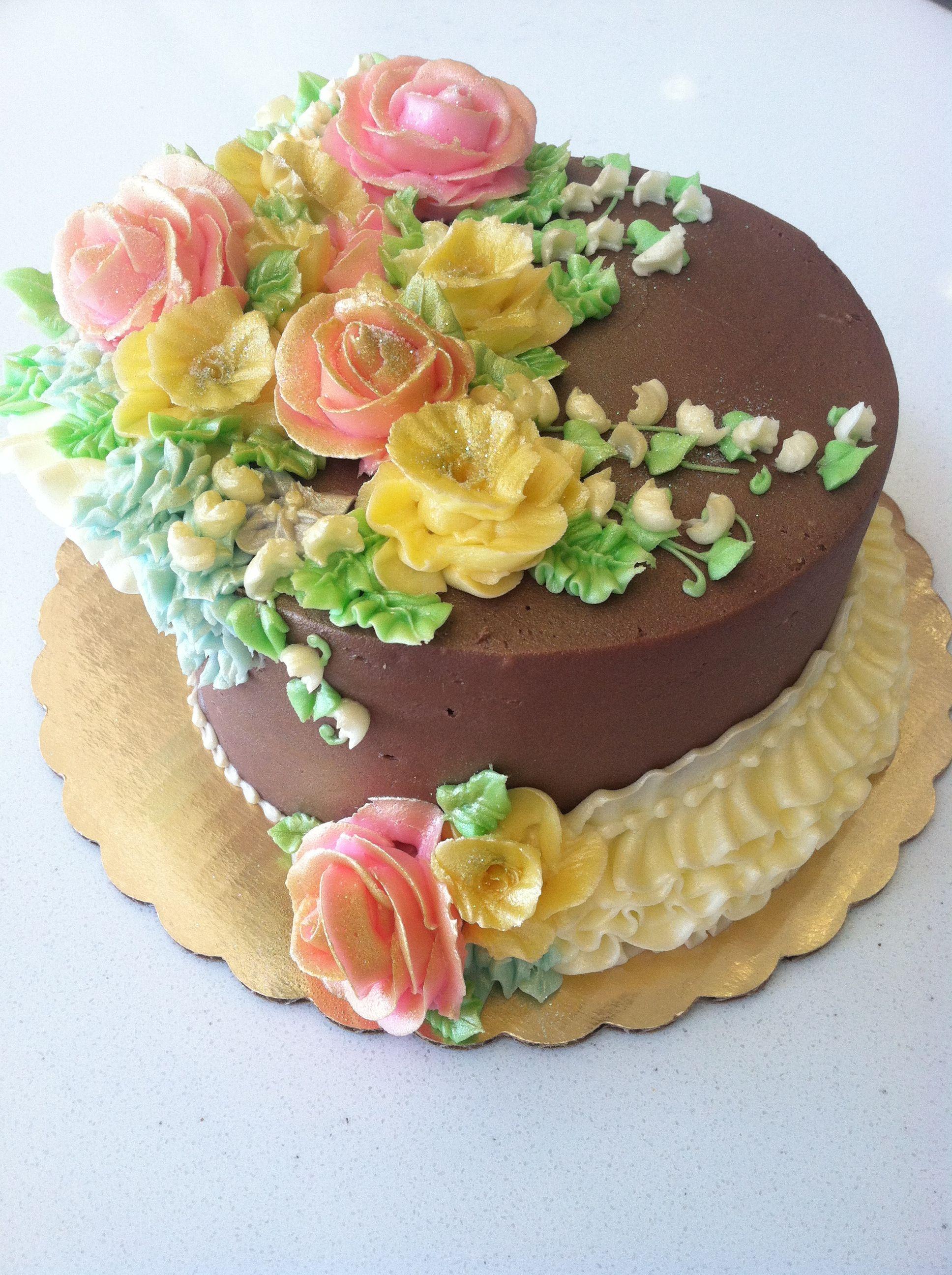 Buttercream flower chocolate cake | Buttercream decorating ...