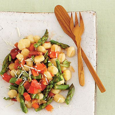 Tomato and asparagus gnocchi
