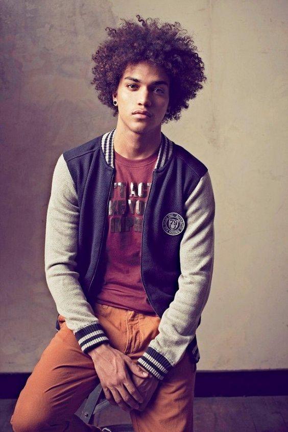 50 cortes de cabelos afro! Homens/Tomboy / Bugre Moda - Imagem: Reprodução