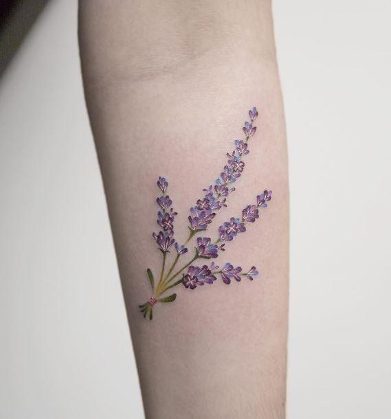 S Media Cache Ak0 Pinimg Com 736x C2 93 12 C2931212e9c669590a81dd6470bf38e6 Jpg Lavender Tattoo Lilac Tattoo Wildflower Tattoo