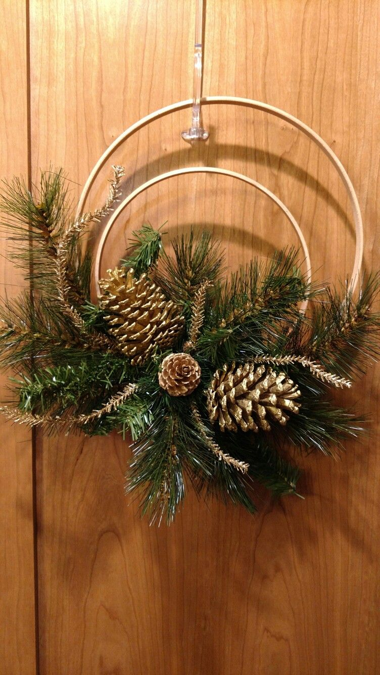 Photo of Gold pinecone hoop wreath eagles16