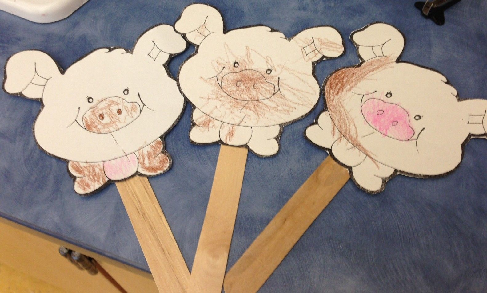 The Three Little Pigs Puppets