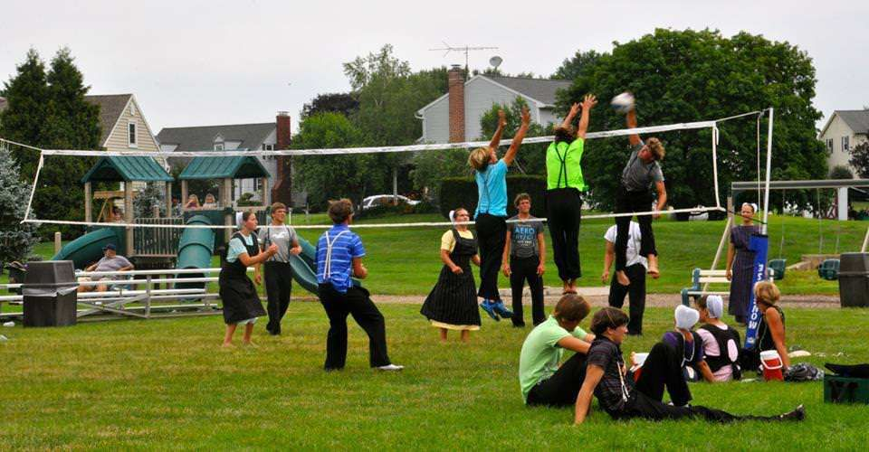 The Amish Play Volleyball At The Intercourse Village Heritage Days || Peaceful  Valley Furniture Spring Activities #blog #nature