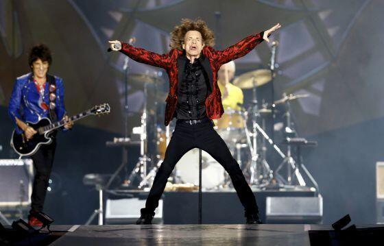 Los Rolling Stones llenan Madrid de satisfacción http://ow.ly/ysO9t Actuaron en el Bernabéu #RollingStonesMadrid pic.twitter.com/ALfyXxoP8M