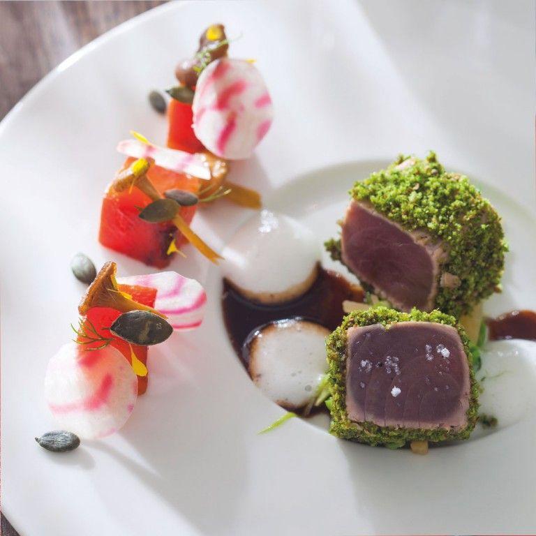 Thon rouge en chapelure de coriandre Butternut aux sucs de betterave | Arts & Gastronomie