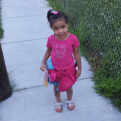 Pinky on her way 2 school