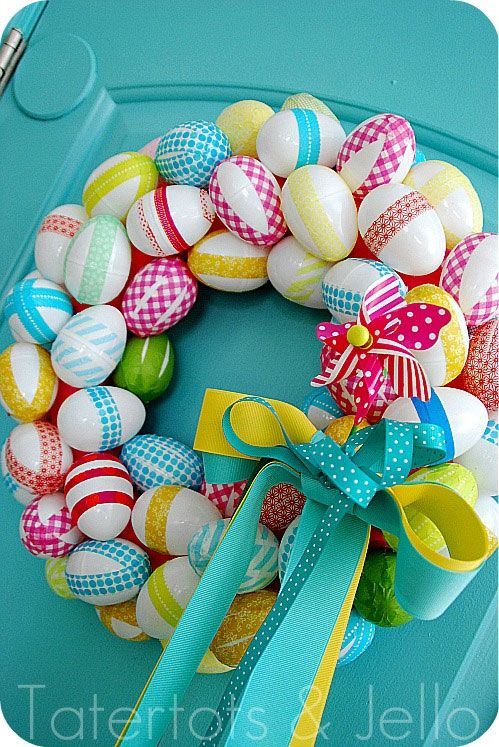 Easter egg wreath: Idea from Tatertots & Jello