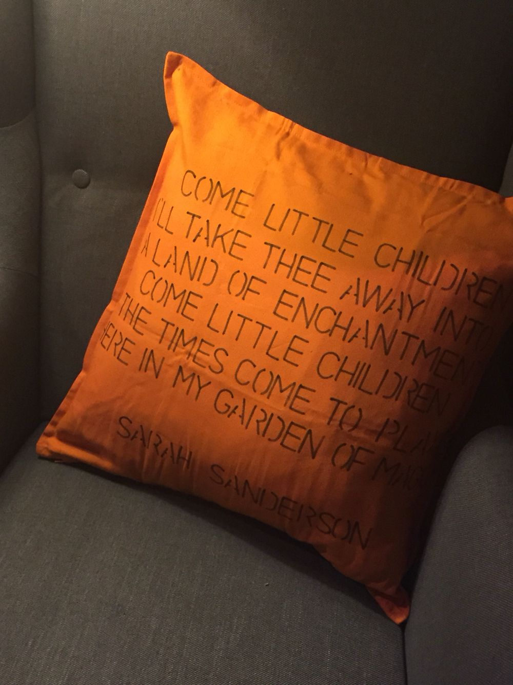 Halloween cushion / Hocus Pocus / Sarah Sanderson           https://www.etsy.com/uk/shop/LACraftsUK