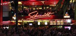 Schmidt-Theater und Spielbudenplatz