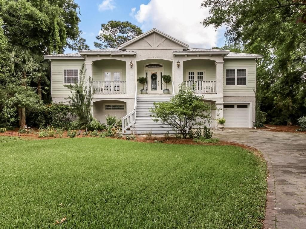 Featured Listing in Yulee, FL Open living area