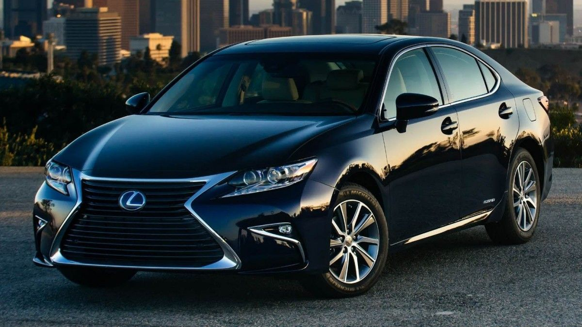 The Week In Luxury Cars Mclaren S Million Dollar P1 Porsche S Boxster Spyder Tesla S Mounting Trouble And More Lexus Es Lexus Sedan Lexus Cars