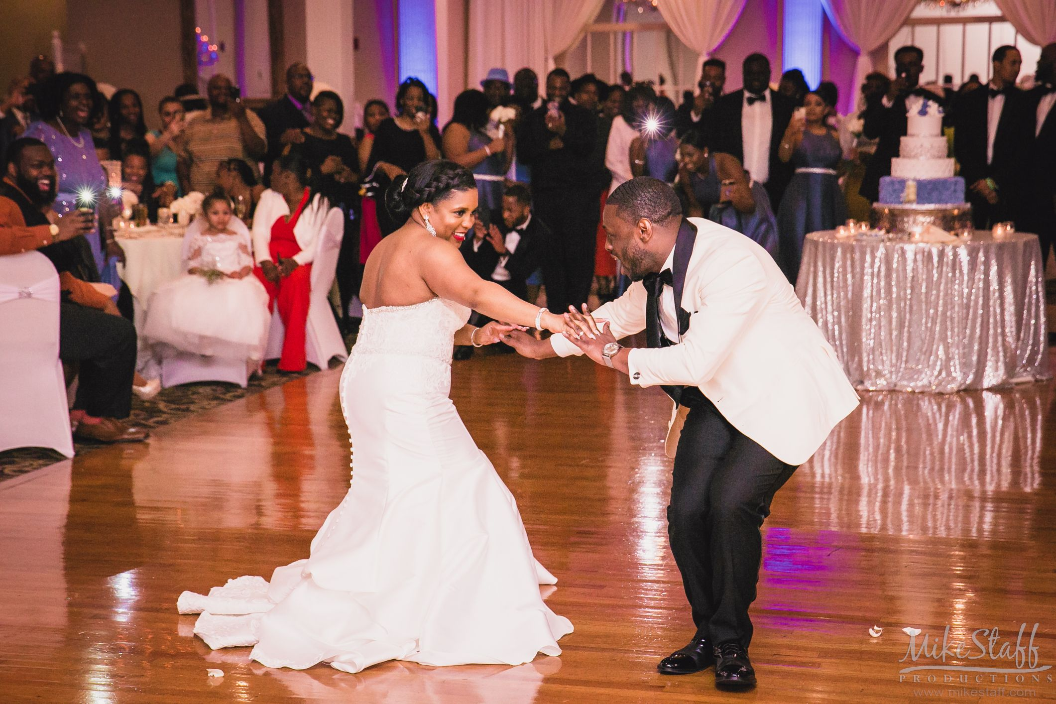 Have You Read How To Hire A Great Dj Wedding Reception Photography Detroit Wedding Photography Michigan Wedding Reception