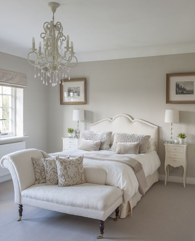 A classic chaise longue in a guest bedroom. #interiors #WTinteriors ...
