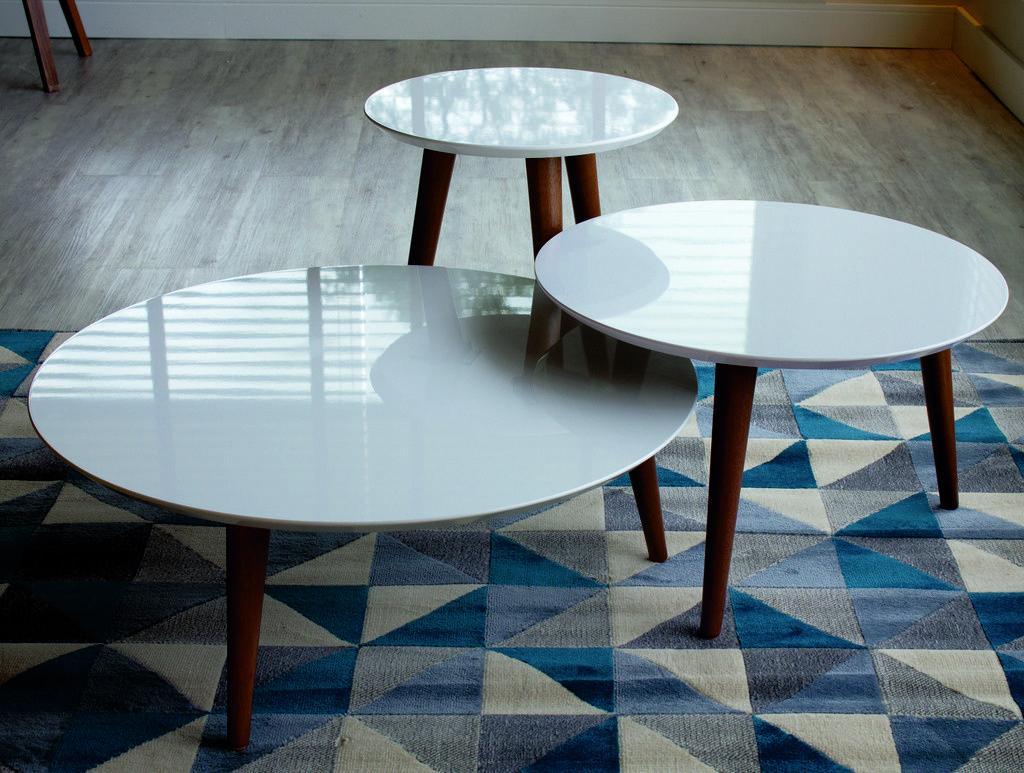Manhattan Comfort 3 252151 3 Piece Modern Moore Round End Table In White In 2021 Coffee Table 3 Piece Coffee Table Set Coffee Table Setting [ 773 x 1024 Pixel ]