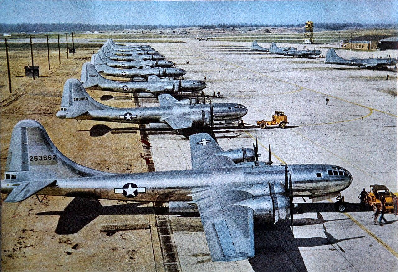 WW2 US B-29 Super Fortress Bomber Plane Picture