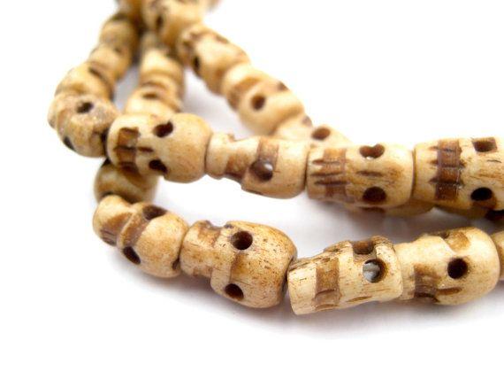 Questo Articolo Non E Disponibile Beaded Skull Bone Carving Carving