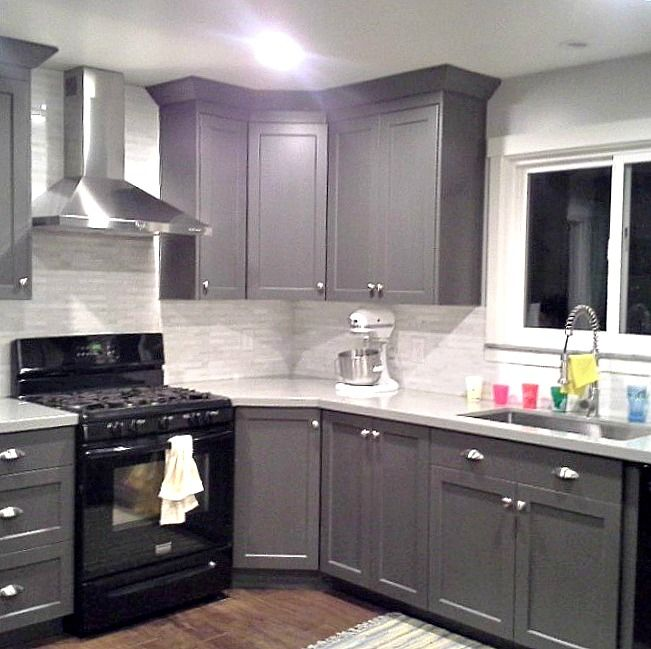 Grey Cabinets Black Appliances Silver Hardware Full Tile - Gray kitchen cabinets with black appliances
