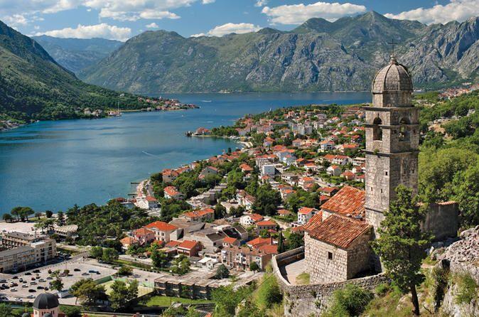 Montenegro - rannikkokaupunkien & Durmitorin kansallispuiston lisäksi eteläosien luontonähtävyyden kuten Crnojevicájoen maisemat.