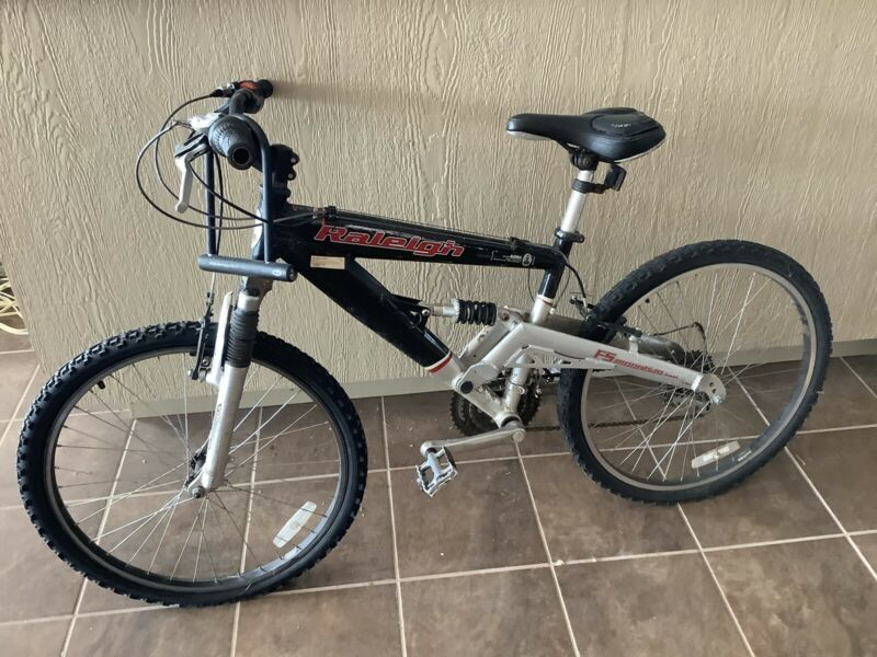 Raliegh Fs Mountain Bike Bike Mountain Bike Brands Bike Ride