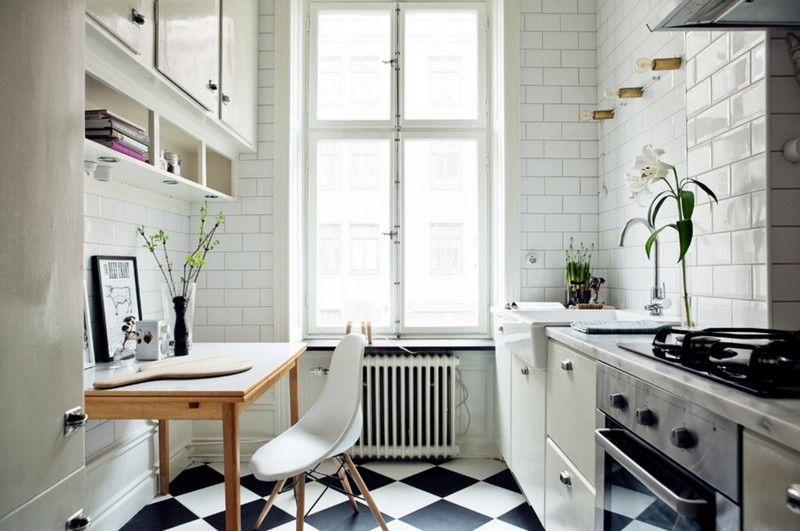 Carrelage métro blanc dans la cuisine et la salle de bains Noir et