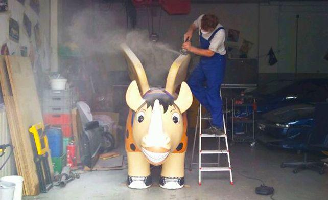 Auch unser Rhino musste mal zum Arzt :)