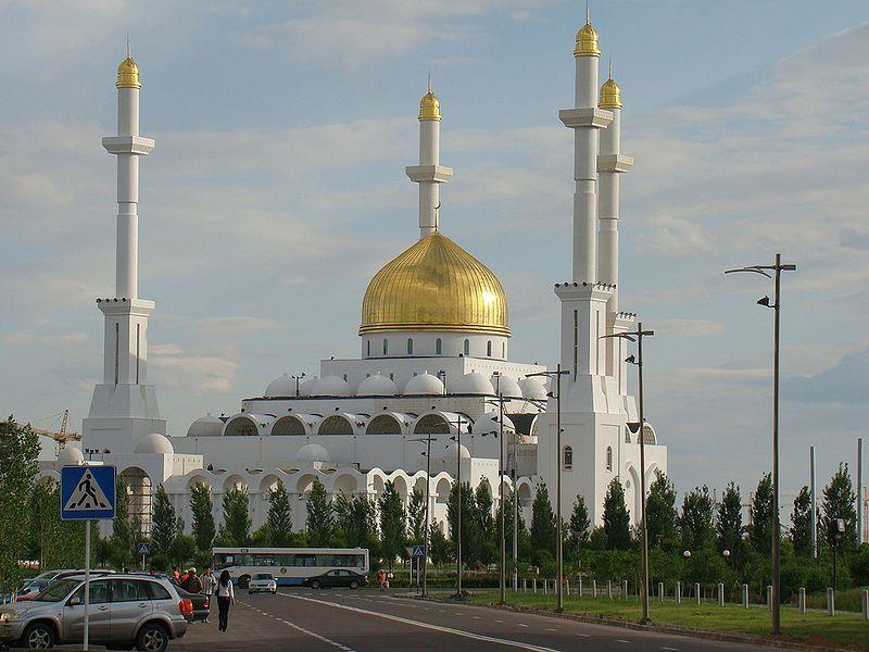 Resultado de imagen de Mezquita Nacional Central de Astaná.