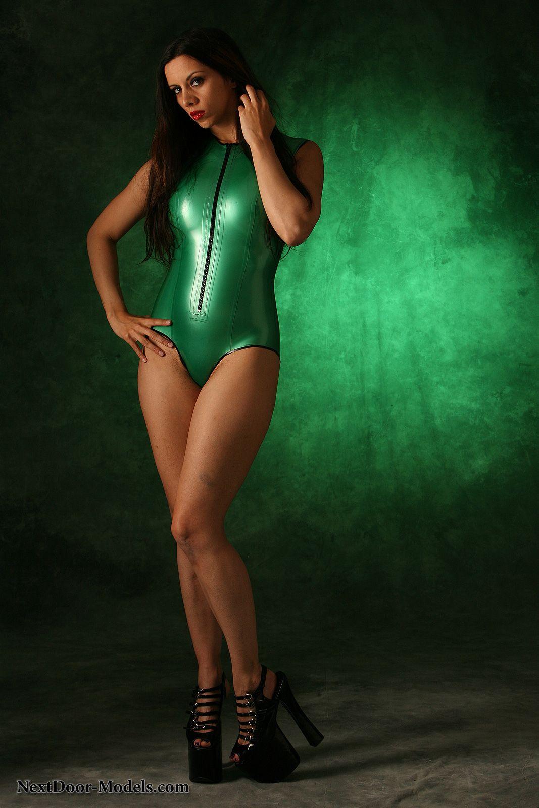 swimsuit shiny : Foto