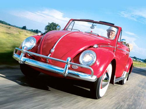 Fred Moll - It seems these days that more and more people would prefer life in the fast lane to anything else. From fast food to fast cars, patience it appears is no where to be found.   Not so in the case of Fred Moll, a former real estate broker from Evansville, Ind., who discovered VWs after retiring. He and his wife Shirley relish life at a slower pace, such as behind the wheel of their 1958 Convertible Beetle.