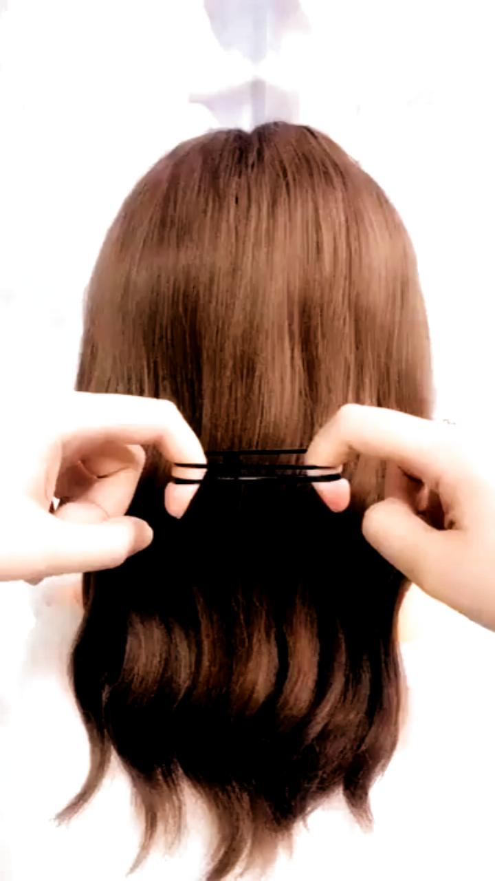 Elagant Hairstyles for Girls