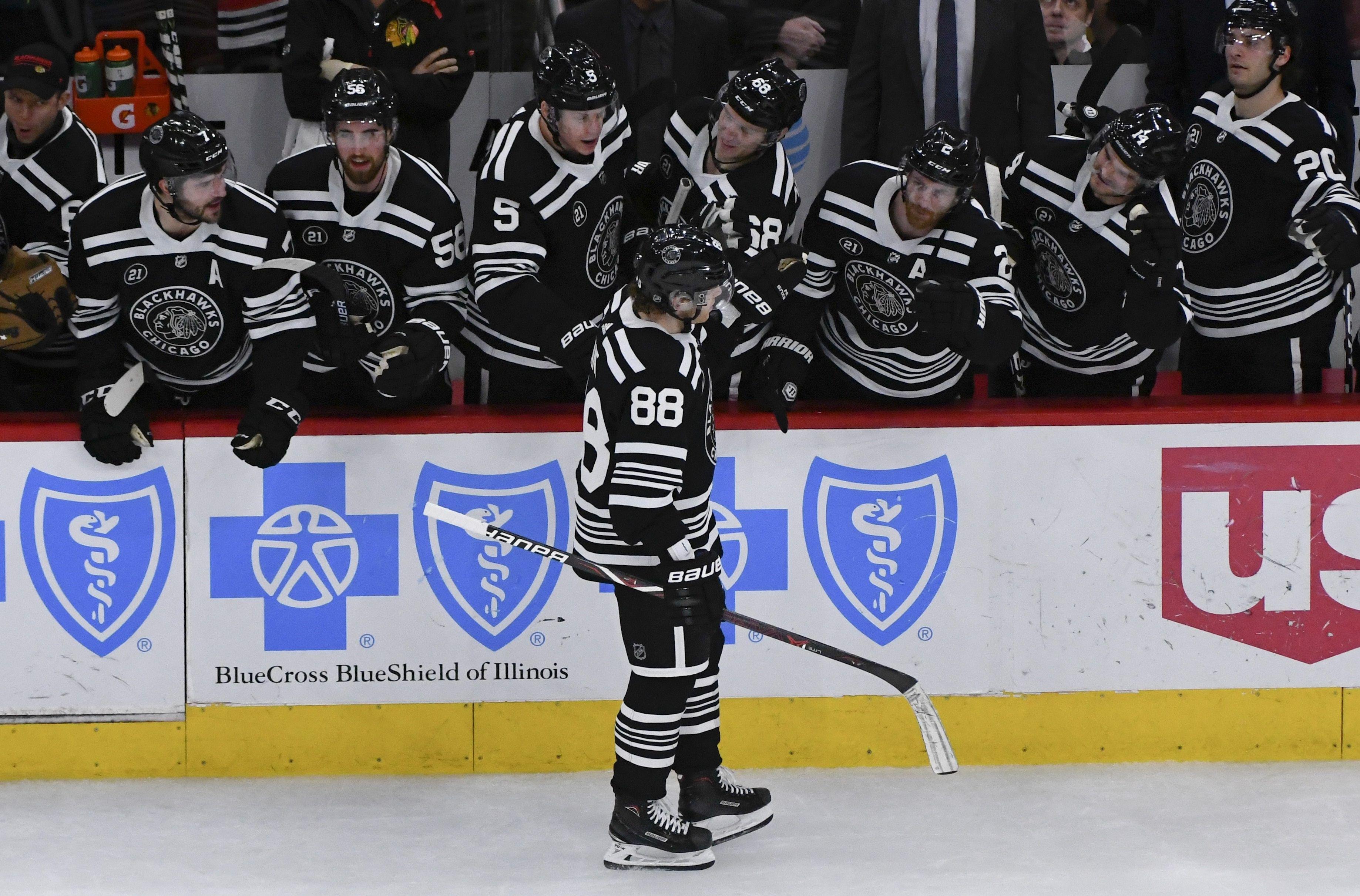 Blackhawks Beat Islanders Toews Kane Score In Shootout Ottawa Senators Blackhawks