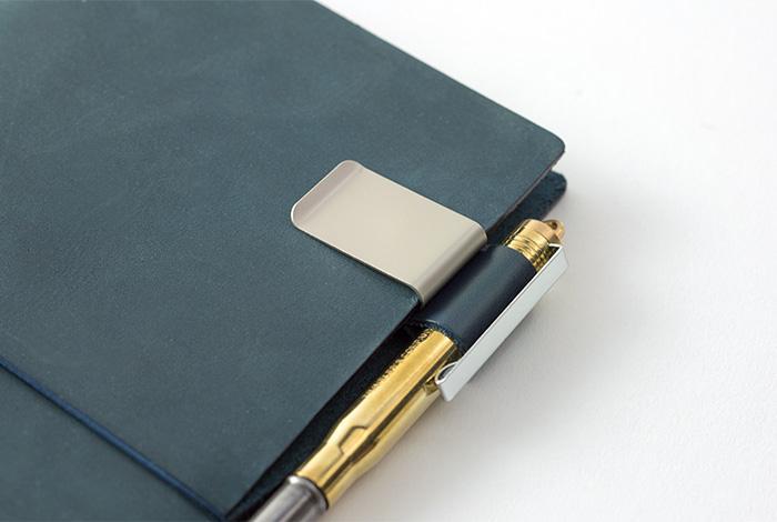 Midori TravelerS Notebook Pen Holder Black 016