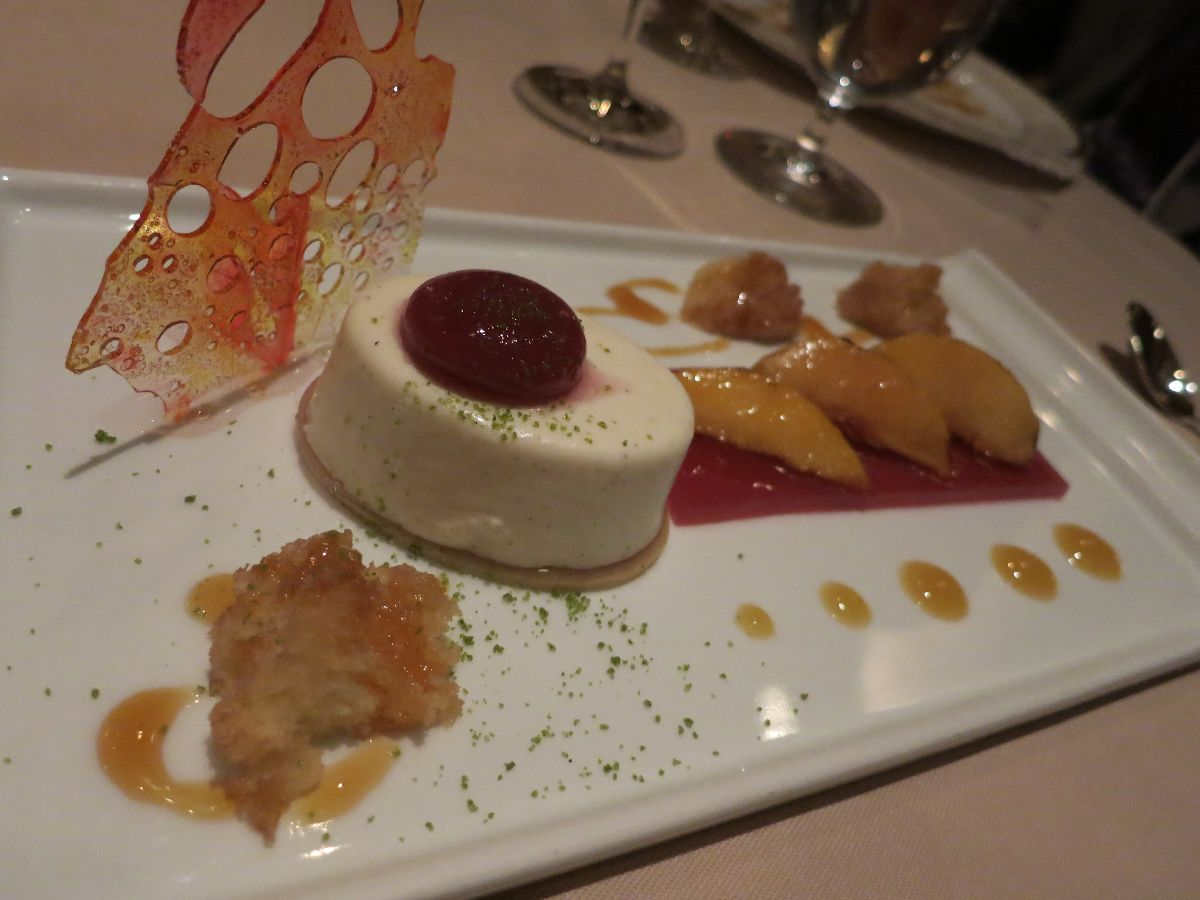 List of Walt Disney World experiences everyone should try at least once! Dinner at Victoria & Albert's is must-try experience