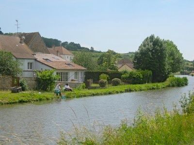 400x300_fishing_from_the_tow_path. Dreaming -- a three part article on buying a home in France from Southern Fried French 10/16/14
