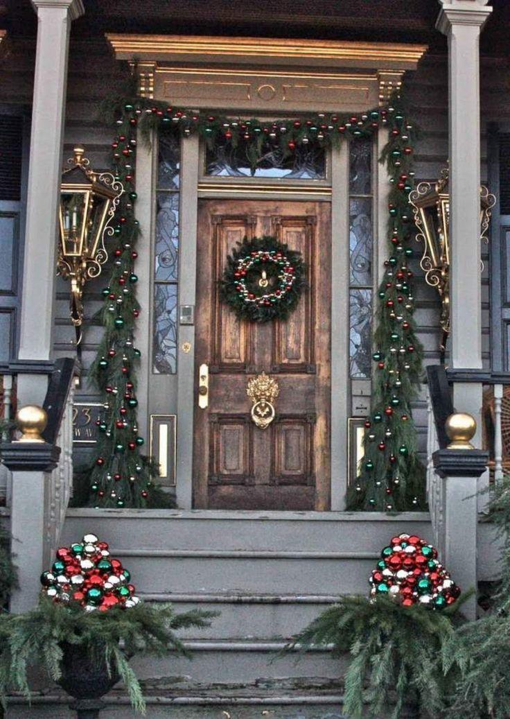 50 Stunning Christmas Porch Ideas Puerta de navidad, Fechas