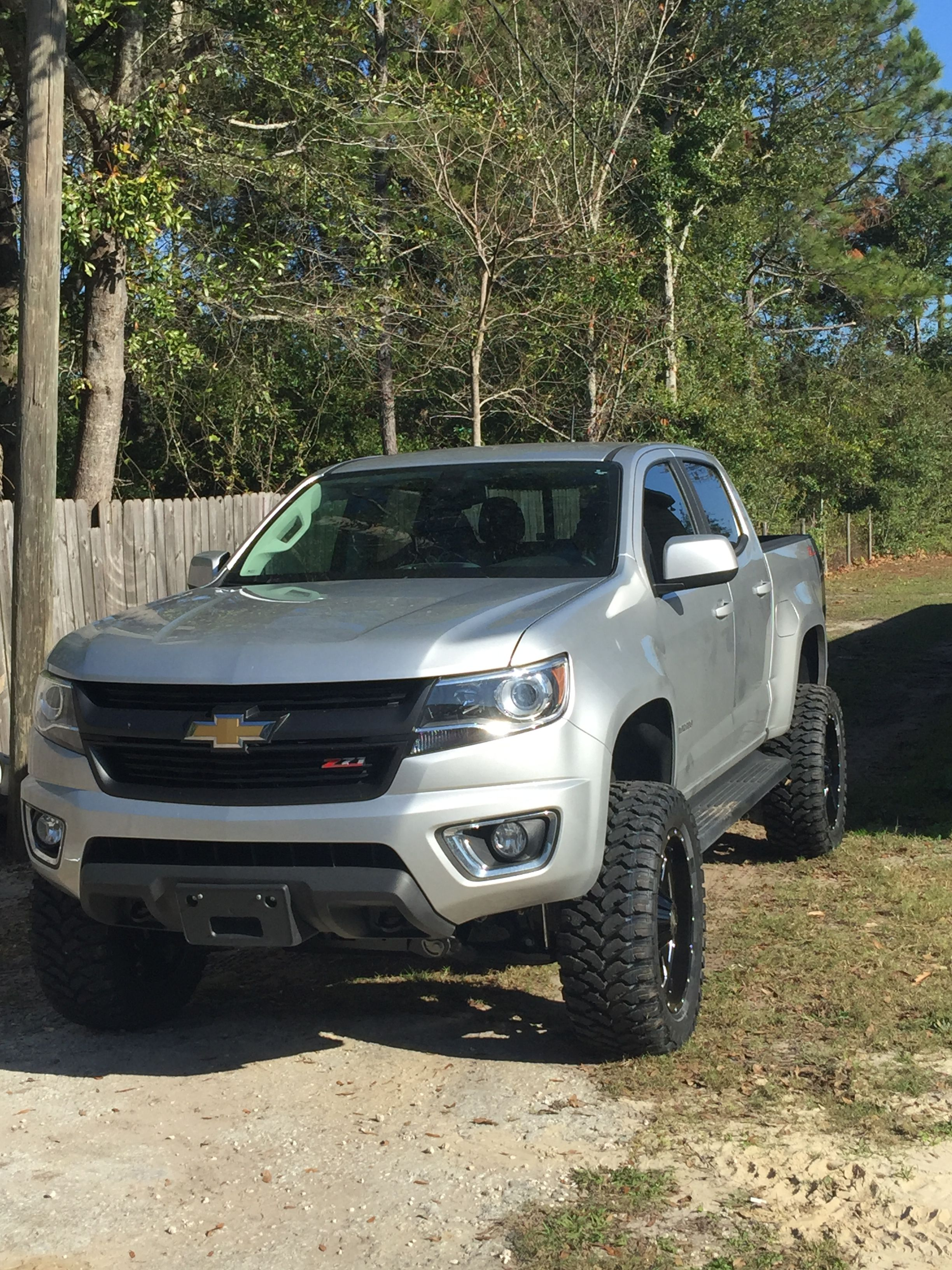 Lifted Chevy Colorado >> Pin By Scott Hereford On 2016 Lifted Chevy Colorado Chevy