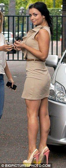 milf-operating-in-miniskirt