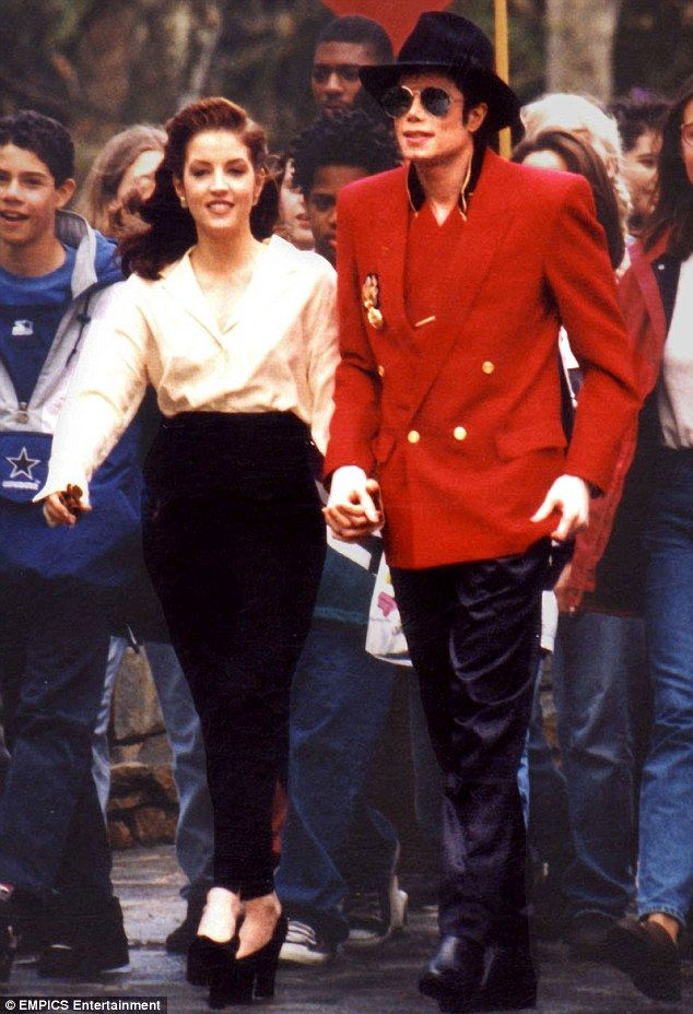 26++ Where does lisa marie presley live now information